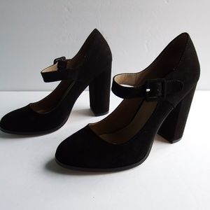 Mix 6 Mary Jane Faux Suede Chunk Heel Sz. 7.5